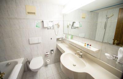 Hotel_Daniela-Zermatt-Bathroom-1-144204.jpg
