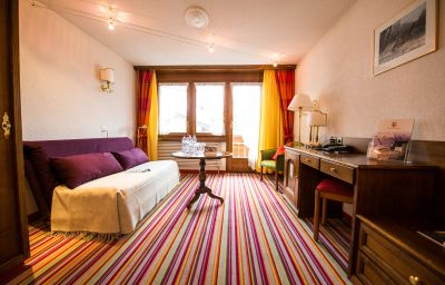 Hotel_Daniela-Zermatt-Family_room-1-144204.jpg