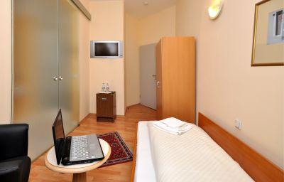 Apadana-Frankfurt_am_Main-Single_room_standard-1-144681.jpg