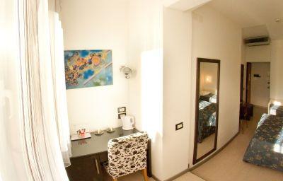 Triple room Roma