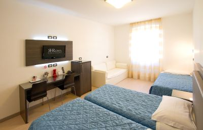 Roma-Triest-Four-bed_room-145232.jpg