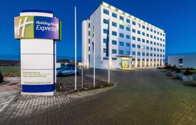 Exterior view Holiday Inn Express MUNICH - MESSE Feldkirchen (München, Bayern)