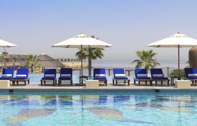 Swimming pool RADISSON BLU RESORT SHARJAH