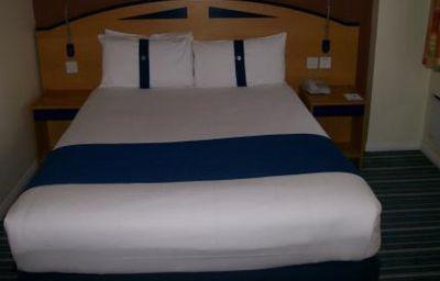 Castle_Bromwich_Inn-Birmingham-Double_room_standard-3-146529.jpg