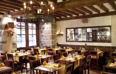 Auberge_Saint-Pierre_Symboles_de_France-Le_Mont-Saint-Michel-Restaurant-146929.jpg