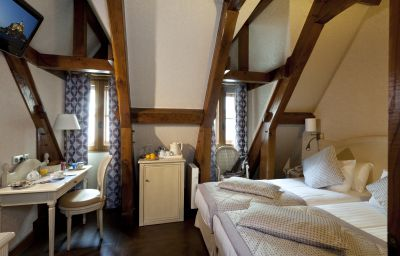 Auberge_Saint-Pierre_Symboles_de_France-Le_Mont-Saint-Michel-Double_room_superior-1-146929.jpg