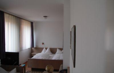 Knorz-Zirndorf-Double_room_standard-3-147036.jpg