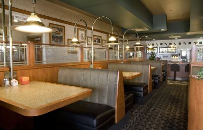 SANDMAN_HOTEL_SASKATOON-Saskatoon-Restaurant-147173.jpg