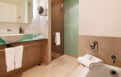 Bagno in camera Parkroyal Melbourne Airport Melbourne (State of Victoria)