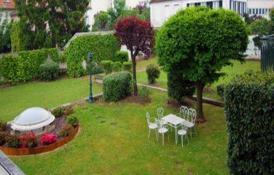 Qualys-hotel_Rueil_La_Defense-Rueil-Malmaison-Garden-150768.jpg