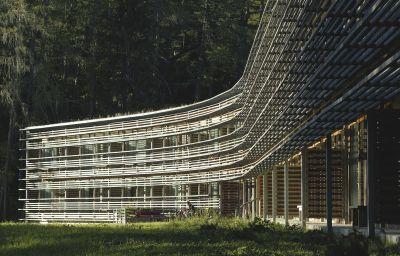 Vigilius_Mountain_Resort-Lana-Aussenansicht-1-150832.jpg