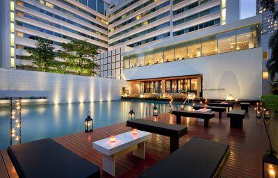 Metropolitan_Hotel_by_Como-Bangkok-Hotel_outdoor_area-151813.jpg