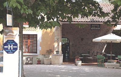 Le_Mas_de_la_Roseraie_Logis-Arles-Hotel_outdoor_area-152296.jpg