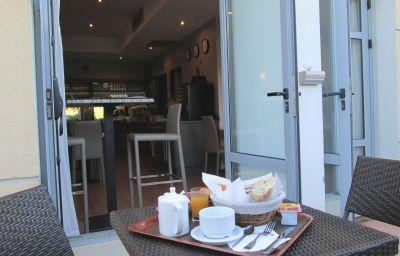 Ariane-Istres-Breakfast_room-1-152203.jpg