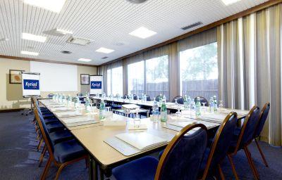 Kyriad_Creteil_-_Bonneuil_sur_Marne-Bonneuil-sur-Marne-Meeting_room-2-152775.jpg