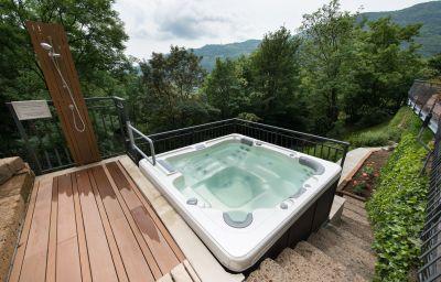 Miramonti_Resort_Spa-Rota_dImagna-Whirlpool-1-153127.jpg