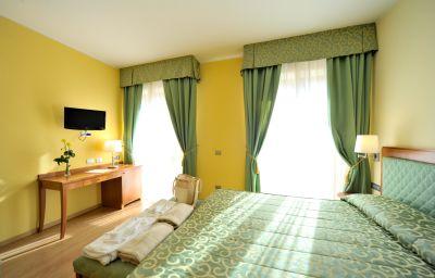 Miramonti_Resort_Spa-Rota_dImagna-Double_room_superior-1-153127.jpg