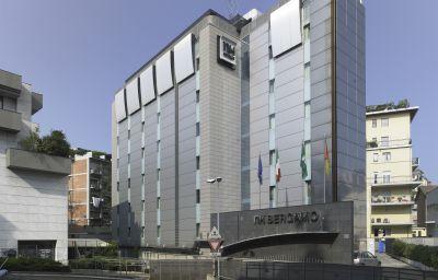 Widok zewnętrzny NH Bergamo