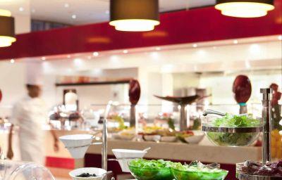 Restaurant/salle de petit-déjeuner Novotel World Trade Centre Dubai