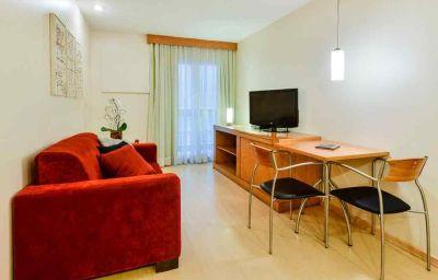 Adagio_Rio_de_Janeiro_Ipanema_Hotel-Rio_de_Janeiro-Room-3-153953.jpg