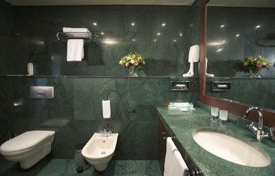 Bagno in camera Grand Hotel Sofia
