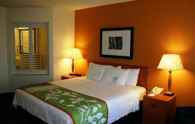 Fairfield_Inn_Suites_Cleveland_Avon-Avon-Room-17-158168.jpg