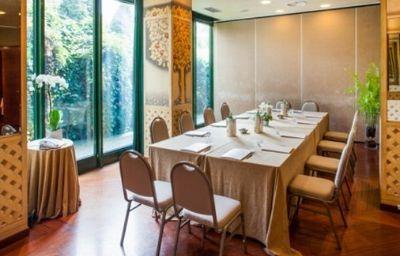 Cosmo_Hotel_Torri-Vimercate-Conference_room-2-159920.jpg