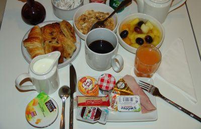 Breakfast buffet ibis Styles Paris Boulogne Marcel Sembat