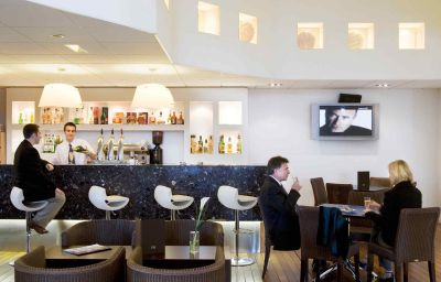 Mercure_La_Rochelle_Vieux_Port_Sud-La_Rochelle-Hotel_bar-1-161311.jpg