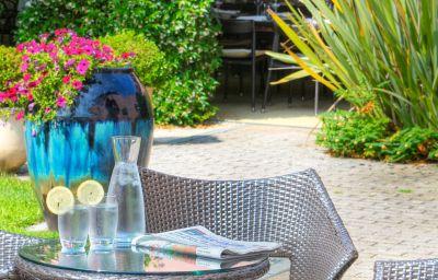 Mercure_Antibes_Sophia_Antipolis-Valbonne-Hotel_bar-5-161368.jpg