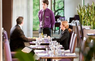 Restaurante/sala de desayunos Novotel Saint Quentin Golf National