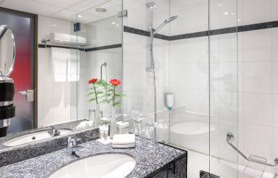Dorint_Airport-Hotel_Amsterdam-Badhoevedorp_Haarlemmermeer-Bathroom-162069.jpg
