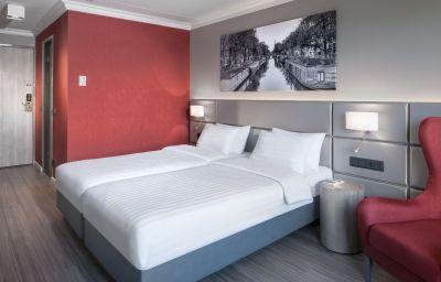 Dorint_Airport-Hotel_Amsterdam-Badhoevedorp_Haarlemmermeer-Double_room_superior-4-162069.jpg