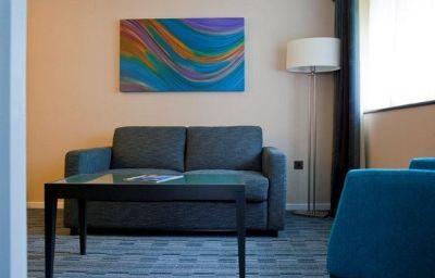 Holiday_Inn_LONDON_GATWICK_-_WORTH-Crawley-Suite-11-164178.jpg