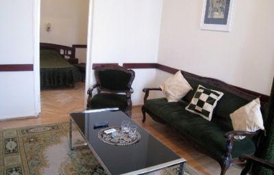 ILIANI_HOTEL-Tbilisi-Suite-1-164631.jpg