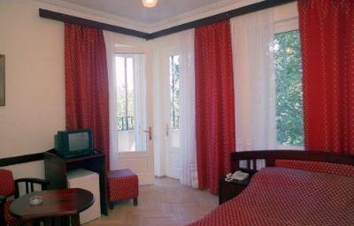 ILIANI_HOTEL-Tbilisi-Room-3-164631.jpg