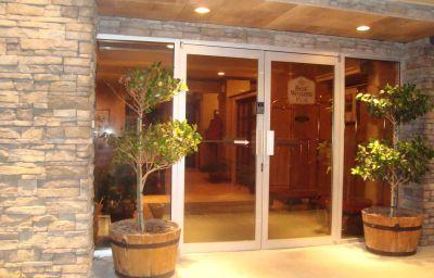 BW_CHELSEA_INN-Coquitlam-Exterior_view-2-167114.jpg