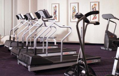 DoubleTree_by_Hilton_Newark_Airport-Newark-Wellness_and_fitness_area-2-167715.jpg