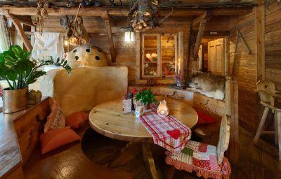 Almwirt-Haar-Restaurant-2-168101.jpg