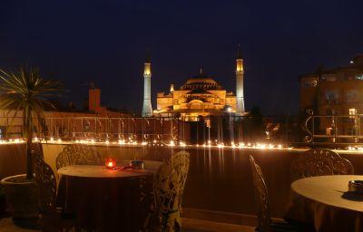 Celal_Sultan-Istanbul-Terrace-4-168552.jpg