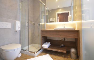 Bathroom Emonec