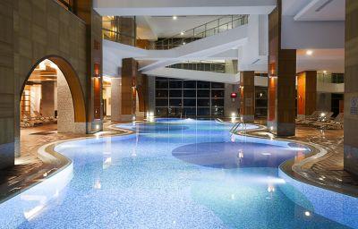 Swimming pool Rixos Sungate