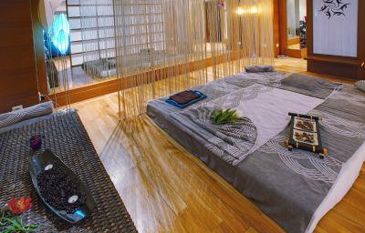 Rixos_Sungate-Goeynuek-Massage_room-169767.jpg