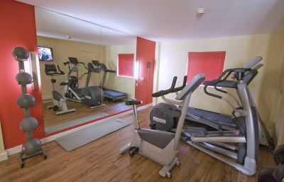 Ramada_London_North_Welcome_Break_Service_Area-London-Fitness_room-1-171215.jpg