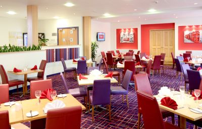 Ramada_London_North_Welcome_Break_Service_Area-London-Restaurantbreakfast_room-1-171215.jpg