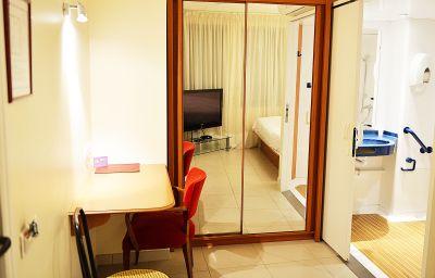 Chambre double (confort) Hotel de Rosny