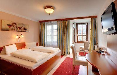Schwarzer_Baer-Innsbruck-Room-6-175249.jpg