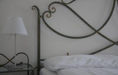 Schluessel-Lucerne-Double_room_standard-2-185982.jpg
