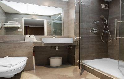 De_La_Paix-Paris-Double_room_standard-3-203033.jpg