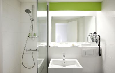 Best_Western_Bordeaux_Aeroport-Merignac-Bathroom-203325.jpg